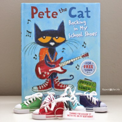 Pete the Cat Party Favor: Rocking in my School Shoes Keychains and Printable