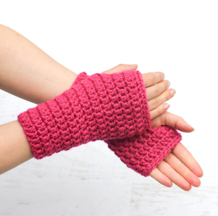 50 Minute Fingerless Crochet Gloves Repeat Crafter Me