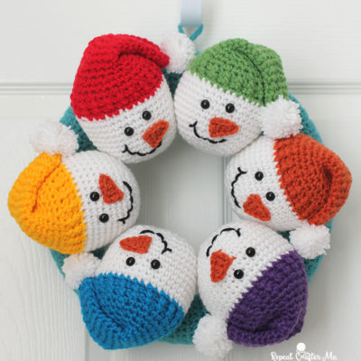 Circle of Snowmen Crochet Wreath