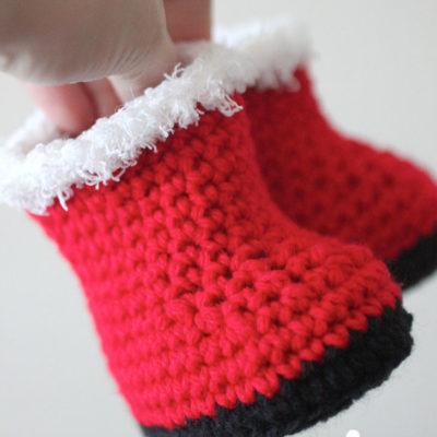 Crochet Santa Baby Booties