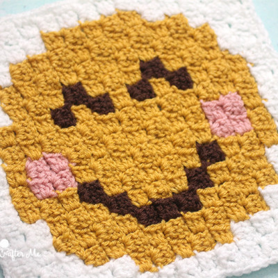 Smiley Face Emoji C2C square and pixel graph