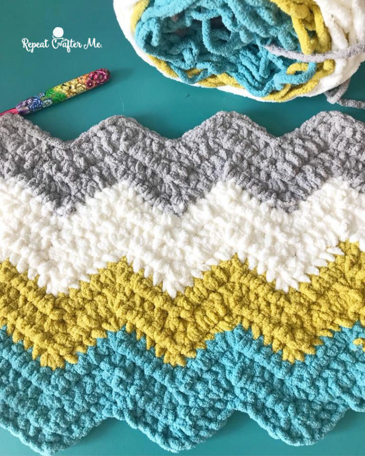 Bernat Blanket Stripes Crochet Chevron Blanket - Repeat