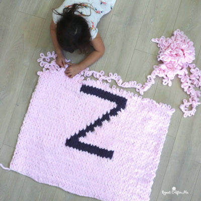 Loop Yarn Letter Blanket