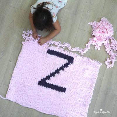 Loop Yarn Letter Blanket