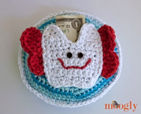 Crochet Tooth Fairy Pouch Pattern Video Tutorial   389x480