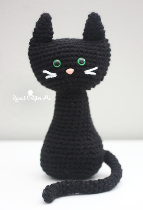 Free Crochet Amigurumi Halloween Black Cat Pattern | 704x480